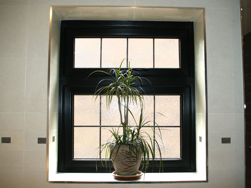 Black obscure glass, square lead Aluminium Window